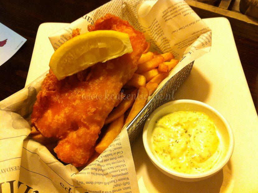 Ik leg mijn hoofdgerecht vast: fish and chips!
