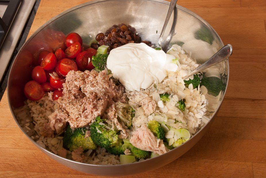 Rijstsalade met broccoli en tonijn-9177