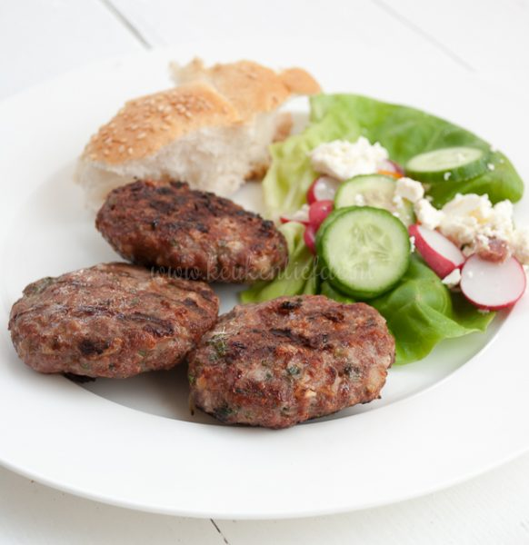Bifteki met feta