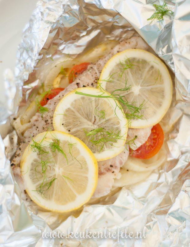 Koken op de camping: vispakketje met venkel en citroen