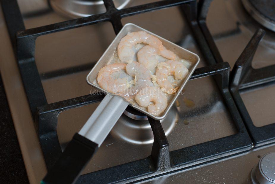 Gourmetpannetje: knoflook garnalen in pesto roomsaus
