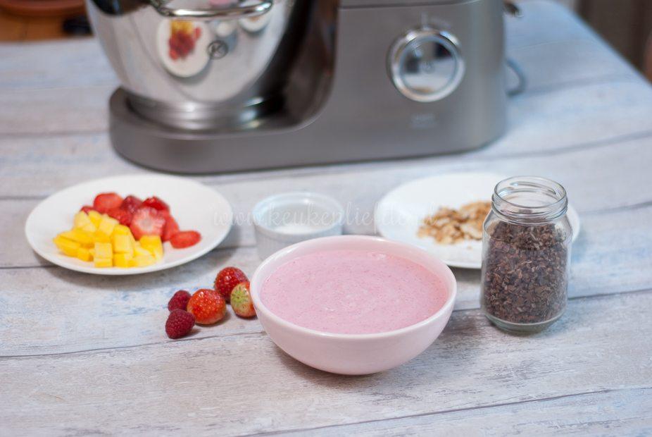 Smoothie bowl met aardbei en framboos