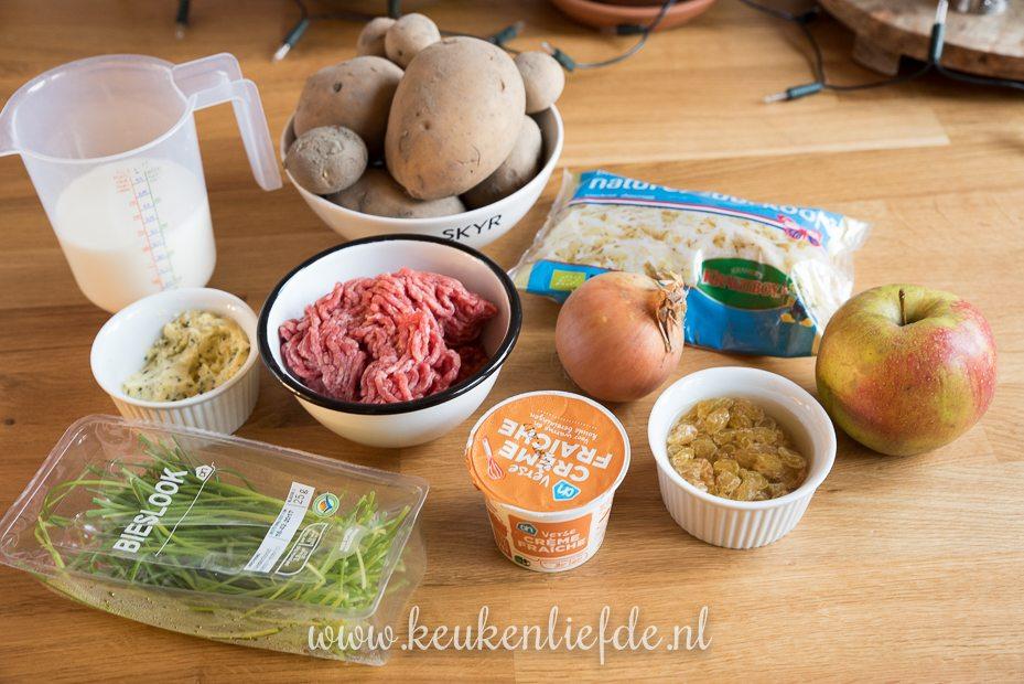 Zuurkool-ovenschotel met gehakt en crème fraîche