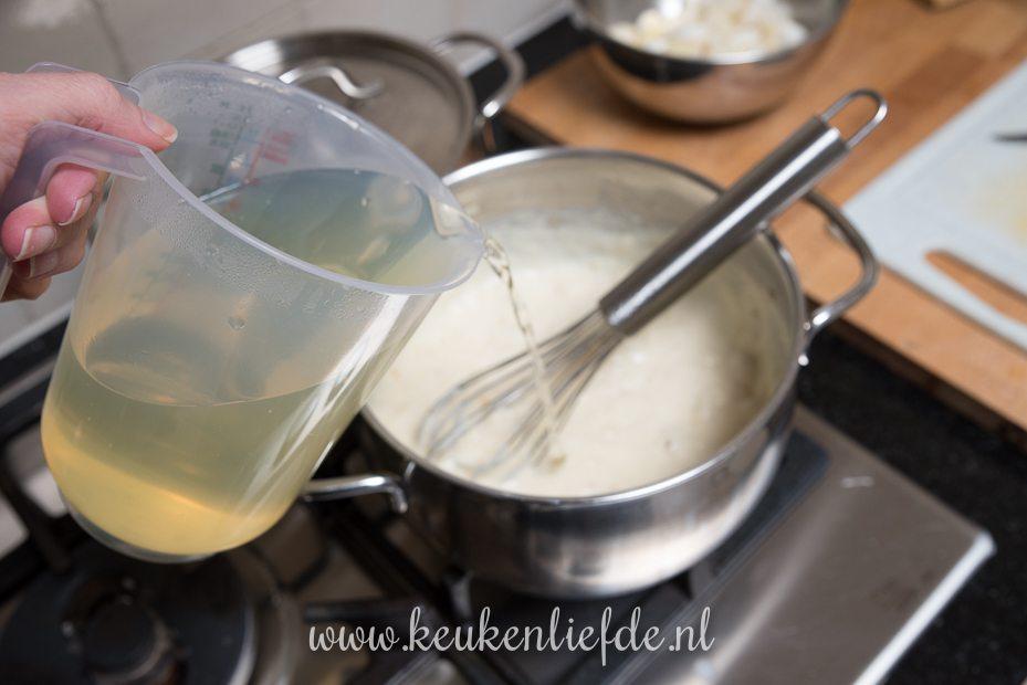 Asperge-crèmesoep met bieslook