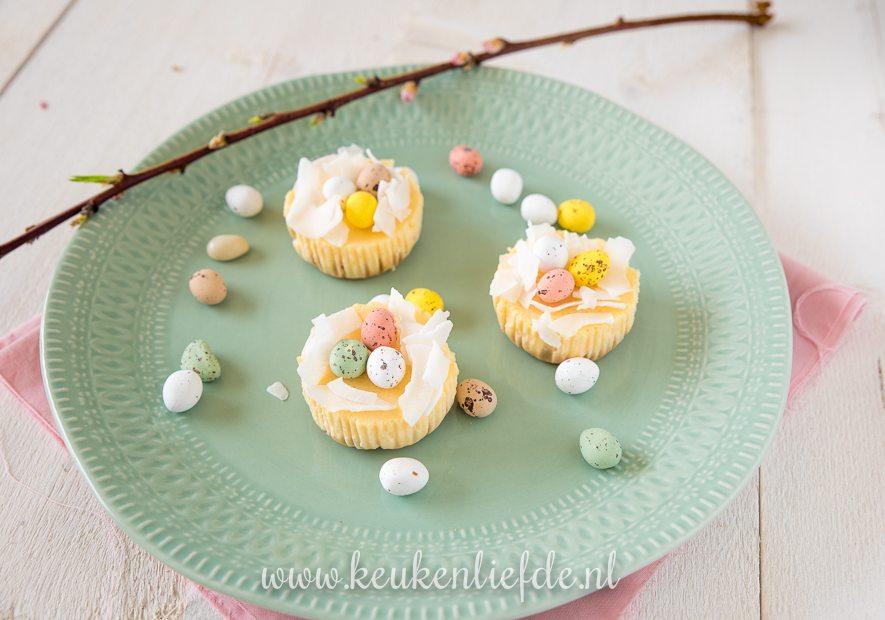 Cheesecake cupcakes met paasnestje