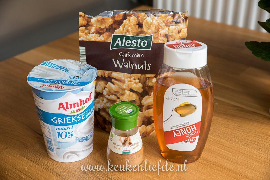 Griekse yoghurt met walnoot en honing