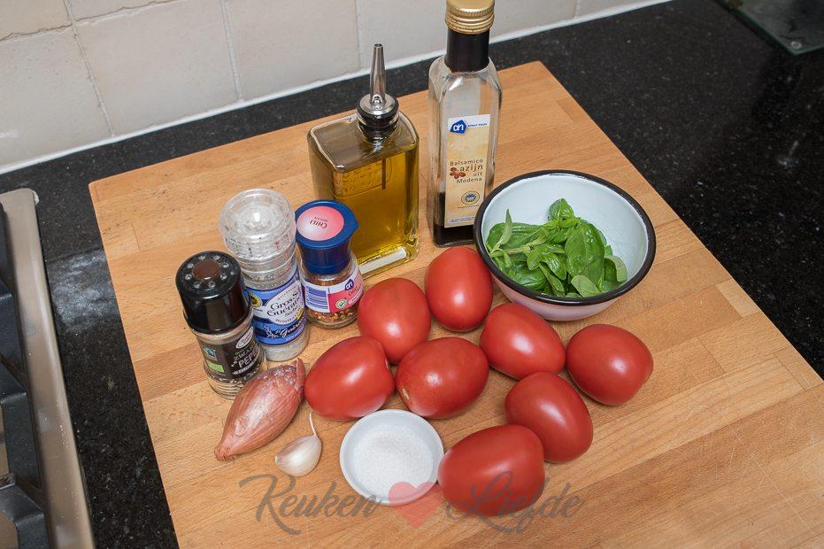 Tomatensaus van verse tomaten (kookvideo!)