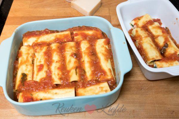 Cannelloni met spinazie, ricotta en tomatensaus