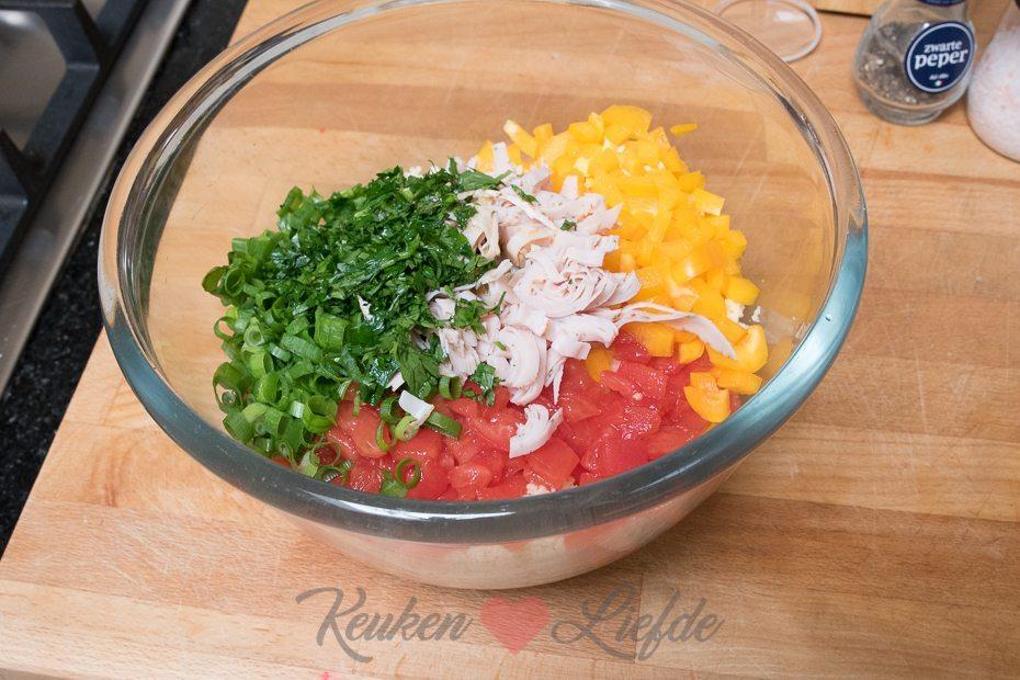 Couscoussalade met kalkoenfilet en paprika