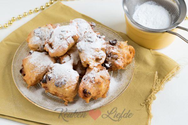Snelle oliebollen met witte chocolade pistache en cranberry keuken liefde - Chocolade en witte badkamer ...