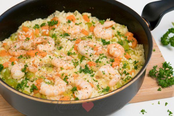 Risotto met wortel, bleekselderij en garnalen