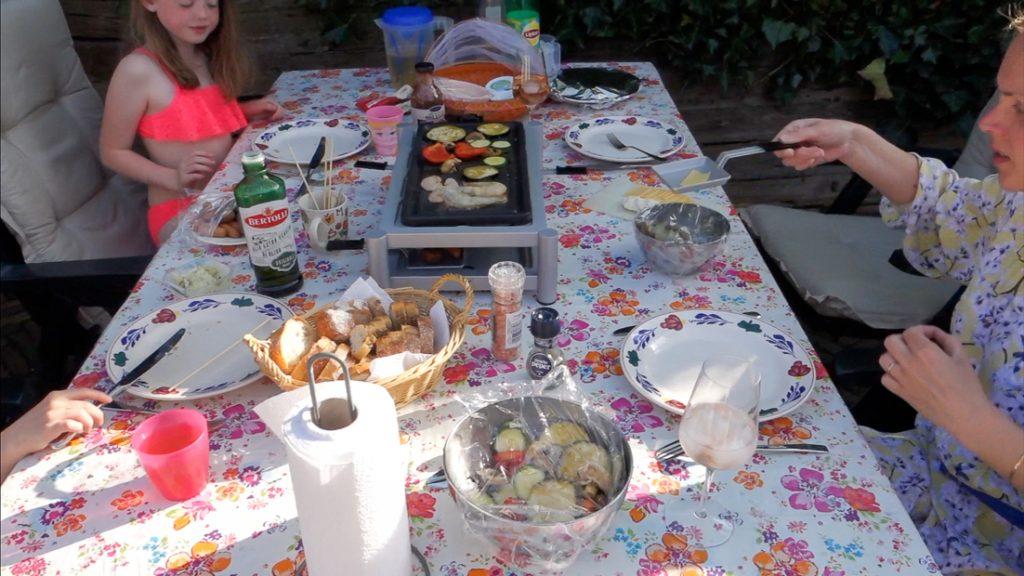 Weekvlog #14 - Een gehoorapparaat en gourmetten in de tuin!