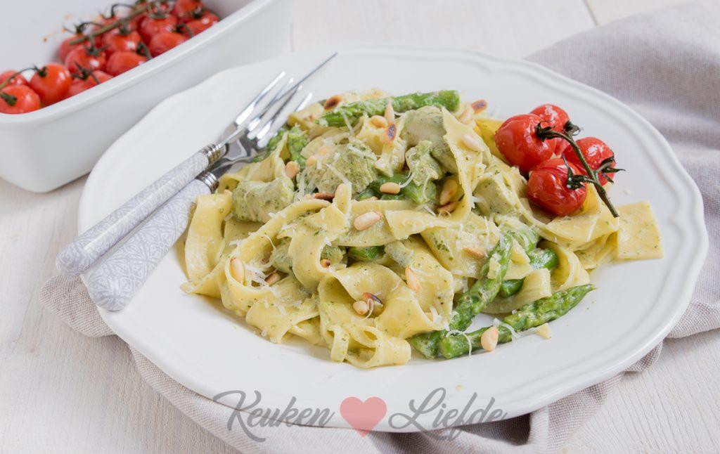 pasta pesto met kip en groene asperges - keuken♥liefde
