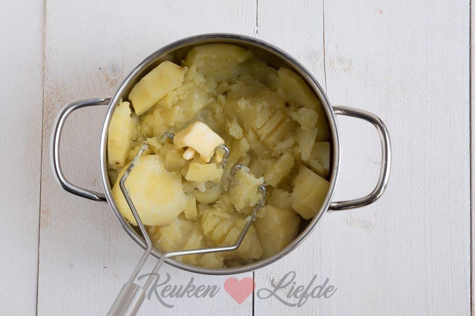 Zoete-aardappelstamppot met paksoi en hete kip