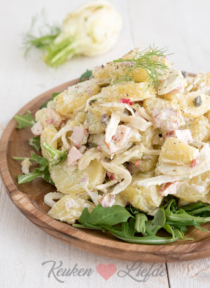 Aardappelsalade met venkel en gerookte kip