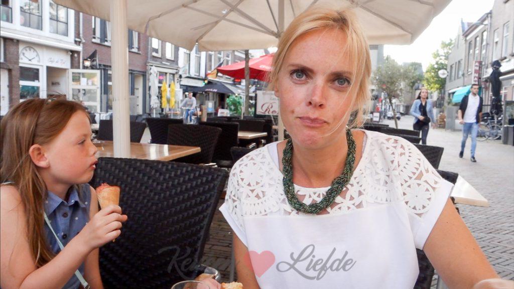 Weekvlog #22 - De tafel wordt afgeruimd terwijl we nog zitten te eten!