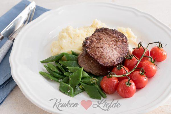Aardappelmousseline met biefstuk en snijbonen
