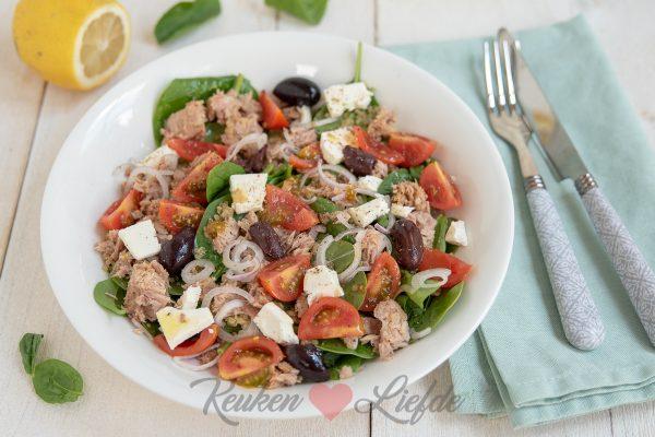 Spinaziesalade met quinoa, tonijn en feta