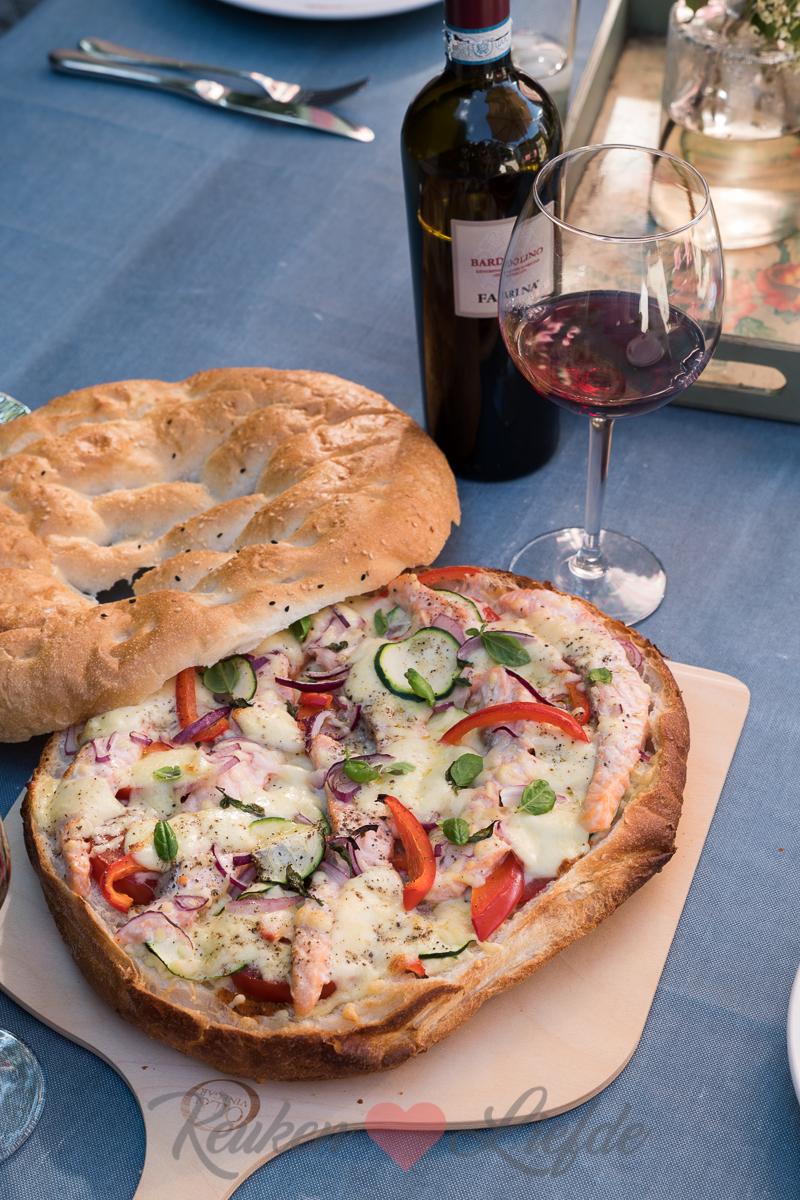 Turksbroodpizza met zalm