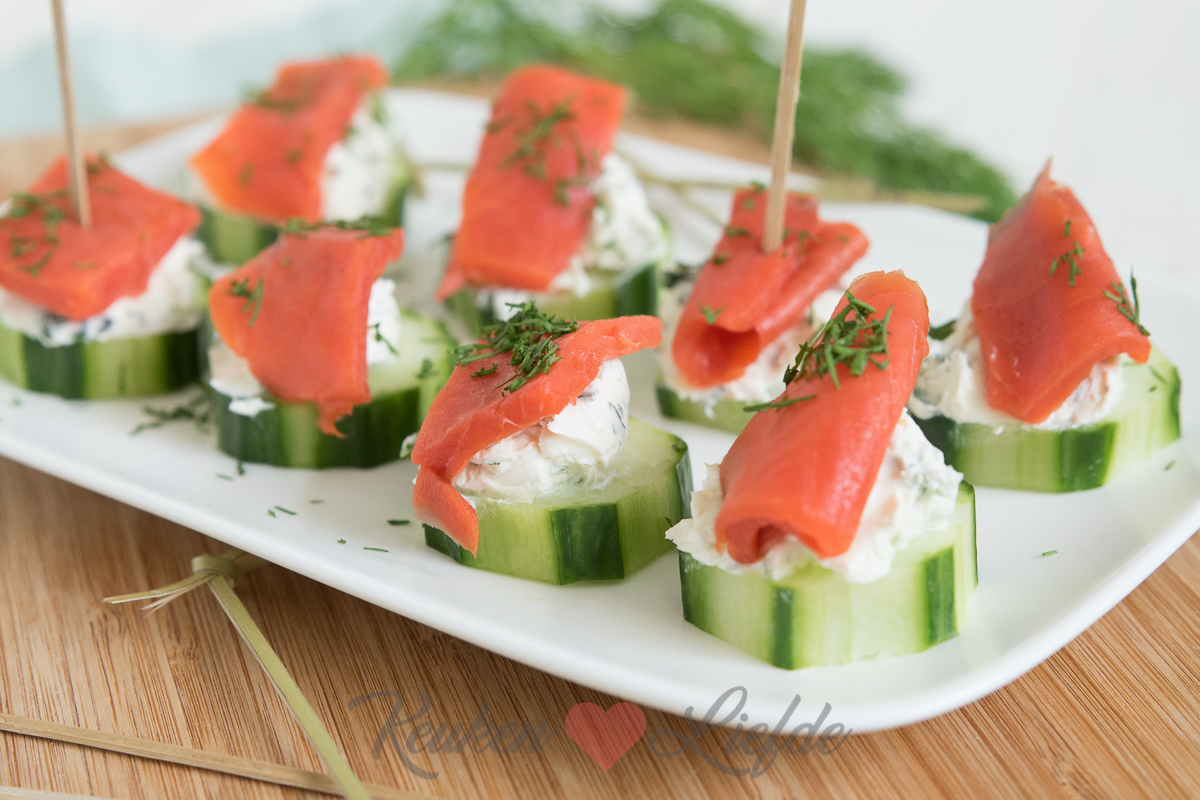 Komkommerhapje met zalm en roomkaas