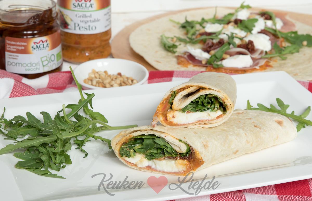Wrap met gegrilde groenten pesto, parmaham en mozzarella