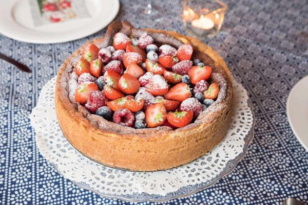 Gebakken kwarktaart met rood fruit
