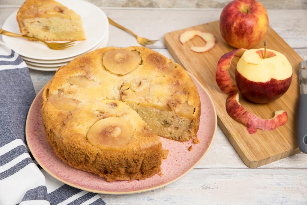 Omgekeerde appelcake met walnoten