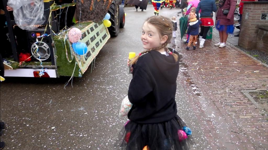 We gaan weer vloggen en onze eerste carnaval! - vlog #30