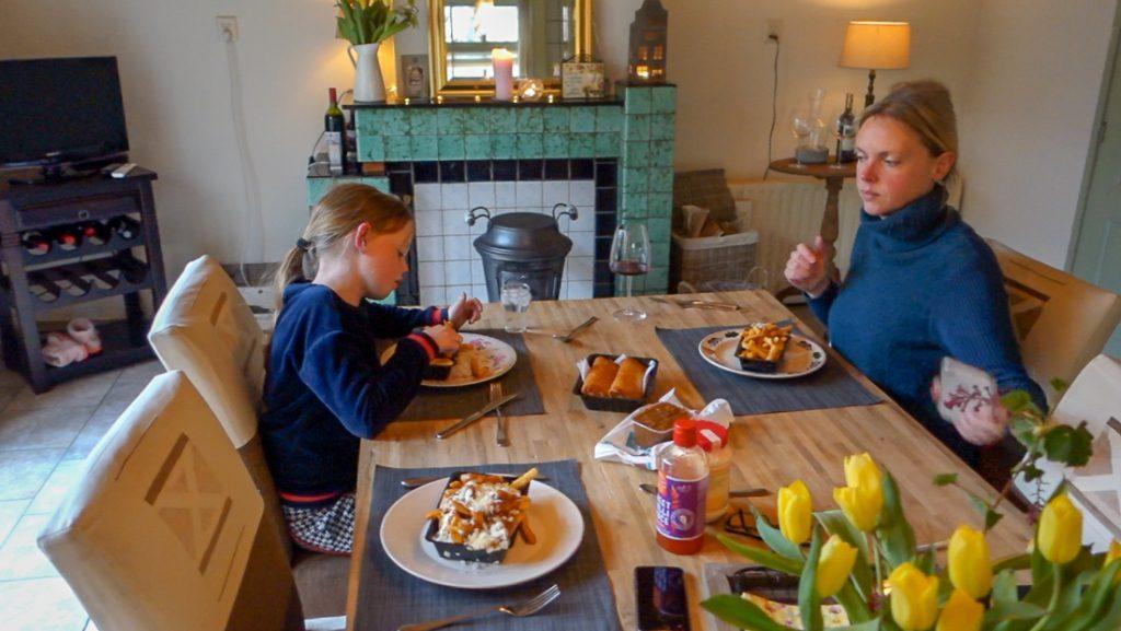 Frietjes met furikake, kip Hawaï en pastasalade à la Johan! - vlog #33