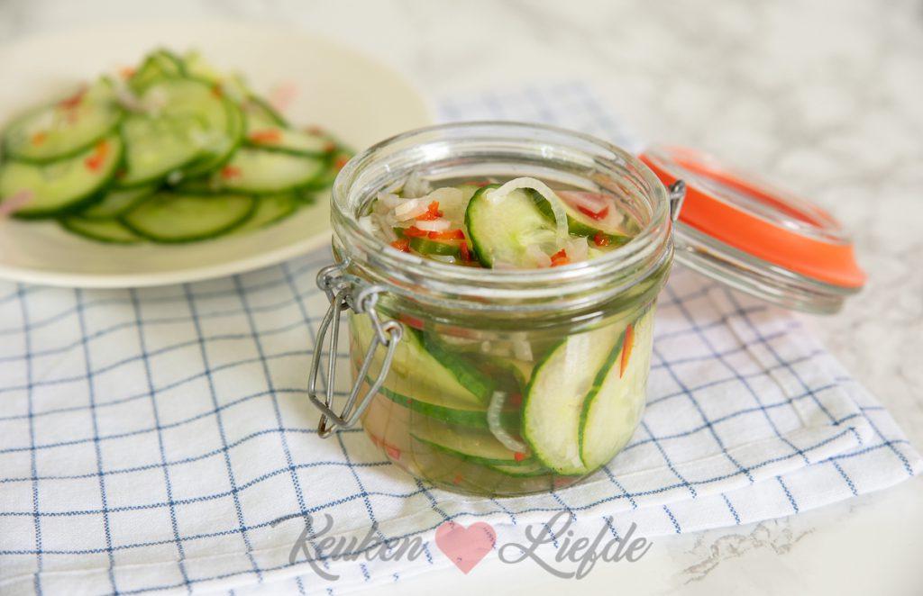 Acar ketimun (zoetzure komkommer)