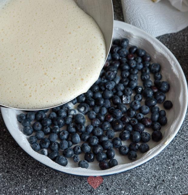 Blauwe bessen clafoutis