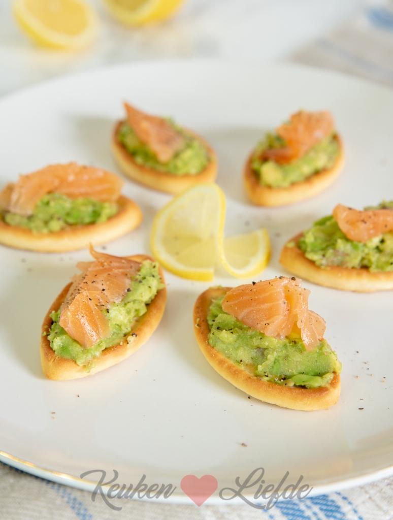 Toastje met avocado en zalm
