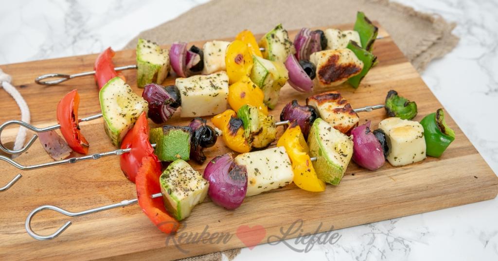 Griekse groentespies met halloumi