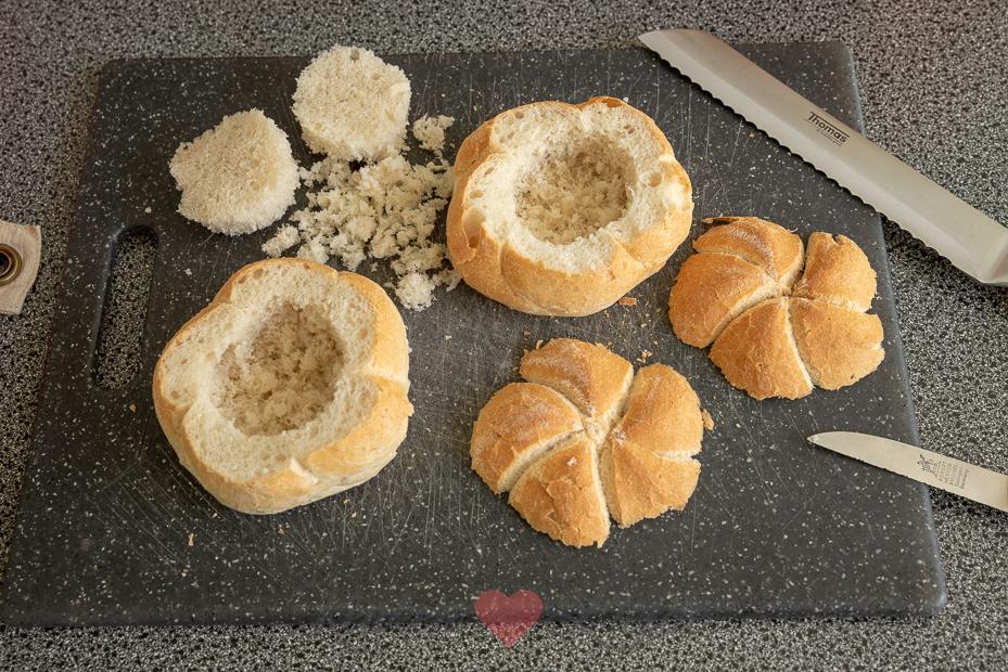 Ontbijtbroodje met ei en spek