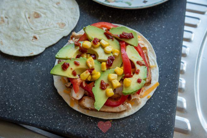 Quesadilla met kip en avocado