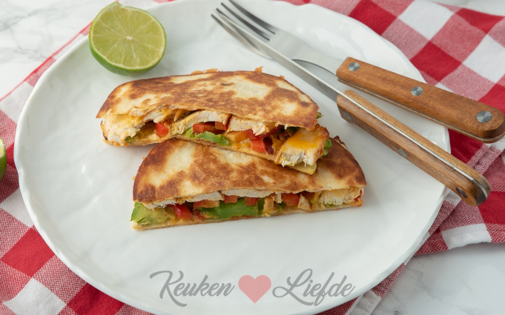 Quesadilla met kip en avocado