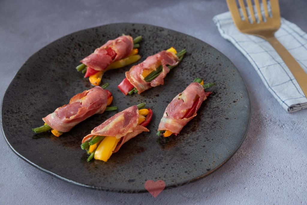 Groenterolletjes in pancetta uit de oven