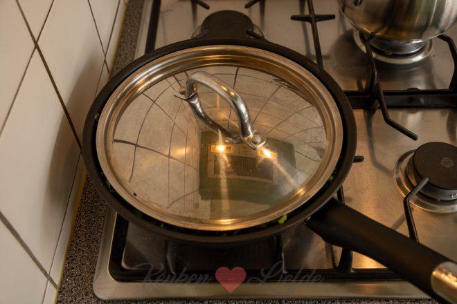 Hartige taart met boerenkool en rookworst