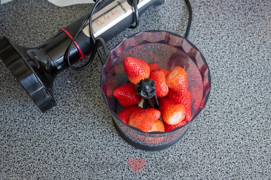 Aardbeienkwarktaart met madeleines (+ tips en ideeën voor Moederdag!)