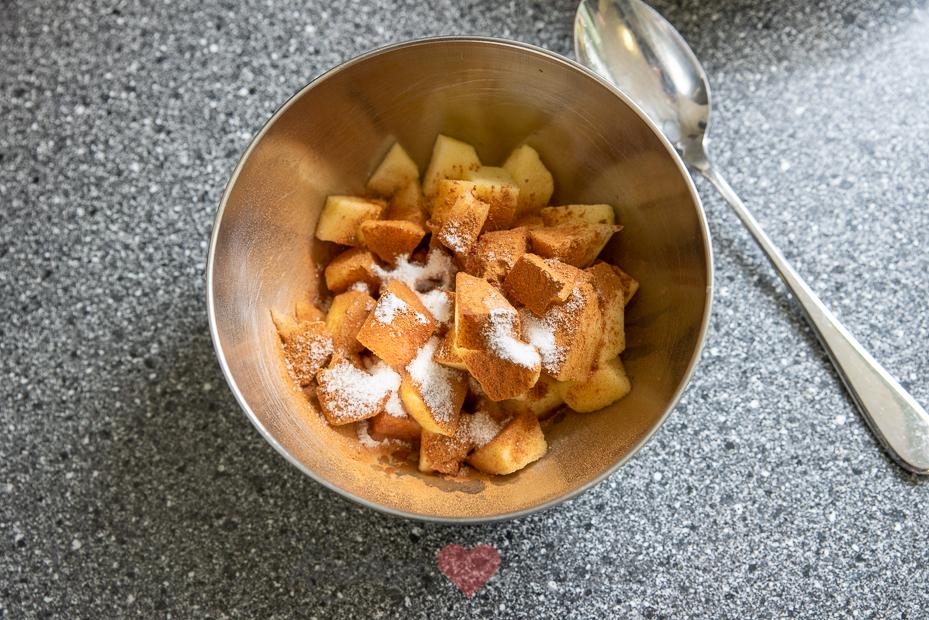 Appel kaneel kruimelcake