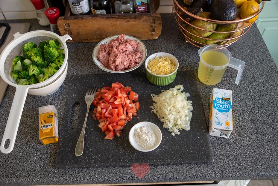Broccoli pannetje met gehakt en kaassaus