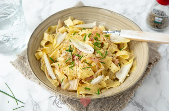 Pasta carbonara met witlof