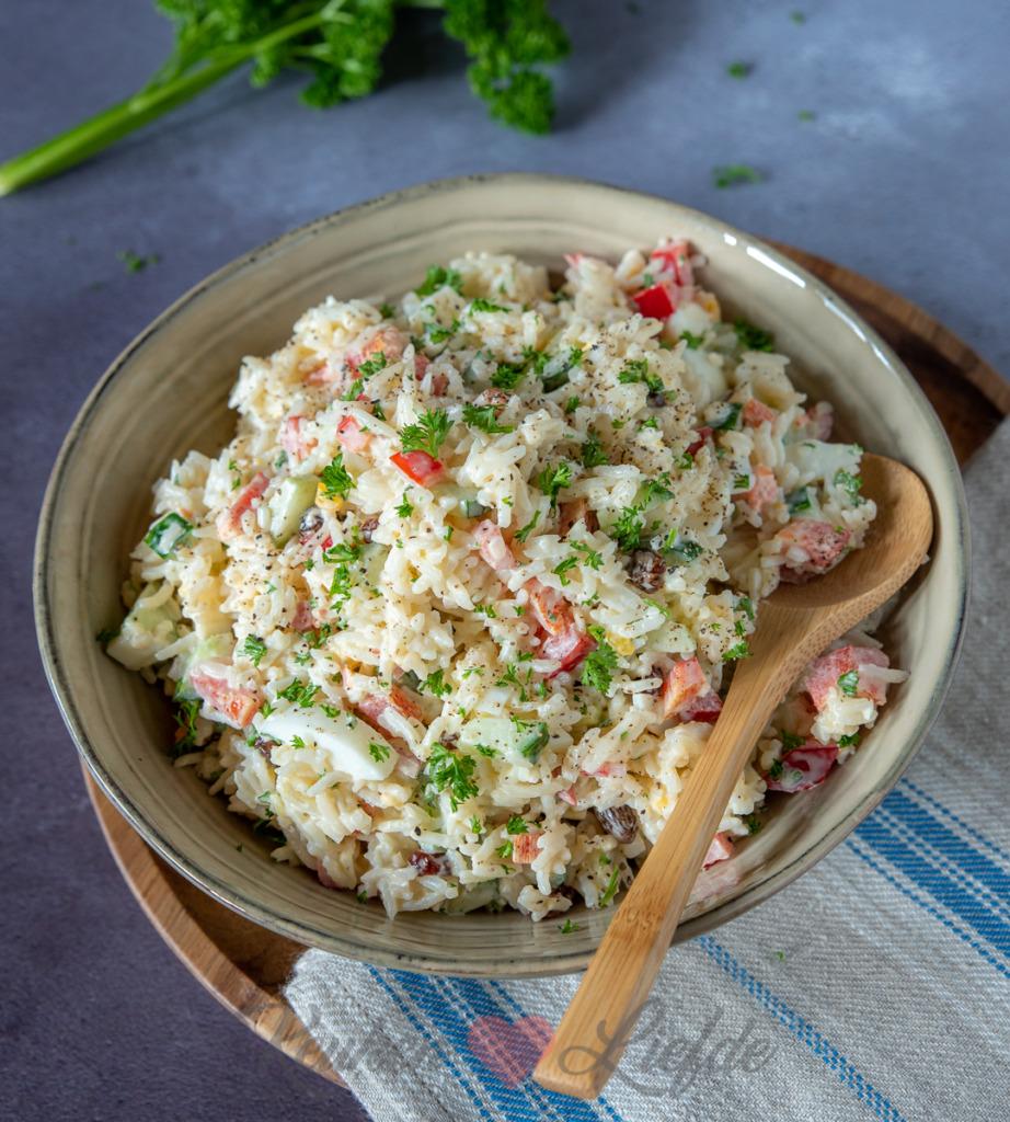 Rijstsalade met ei en komkommer