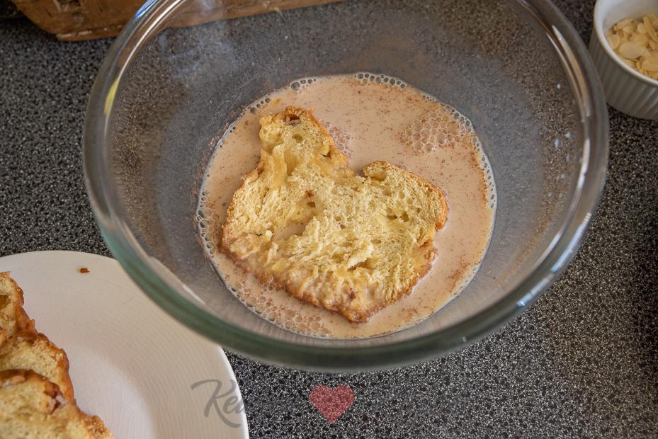 Suikerbrood wentelteefjes met kersen