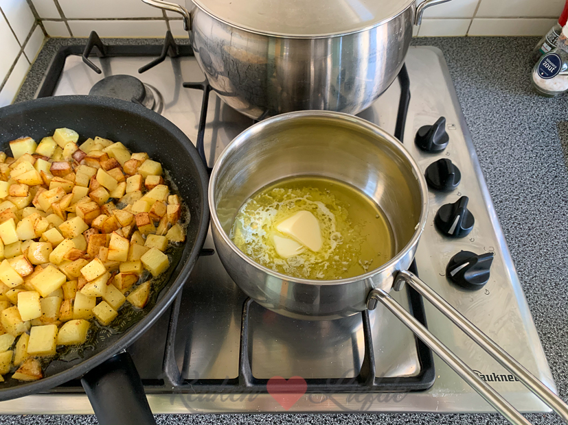Witte asperges met zalm en zelfgemaakte aspergesaus