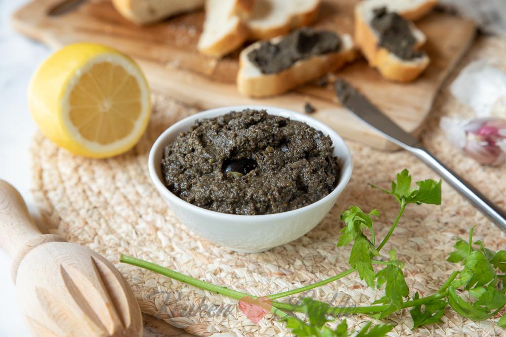 Zwarte olijventapenade