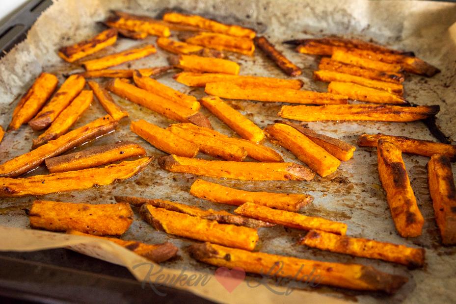 Zoete aardappelfriet uit de oven
