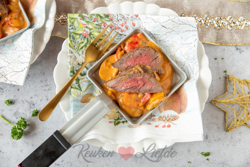 Gourmetpannetje: biefstukpuntjes met stroganoffsaus