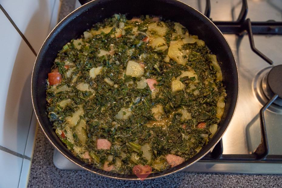 Aardappeltortilla met boerenkool en rookworst