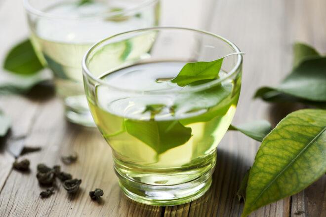 Waarom groene thee zo gezond is (en hoe je het extra lekker maakt)